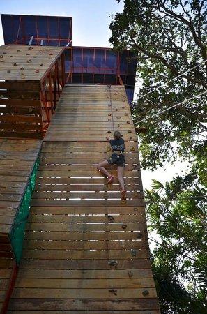 Loola Adventure Resort: Climbing Wall