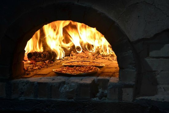 Loola Adventure Resort: Pizza Oven