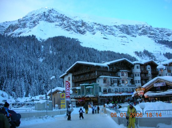 Hotel Gletscher & Spa Neuhintertux: Вид на отель