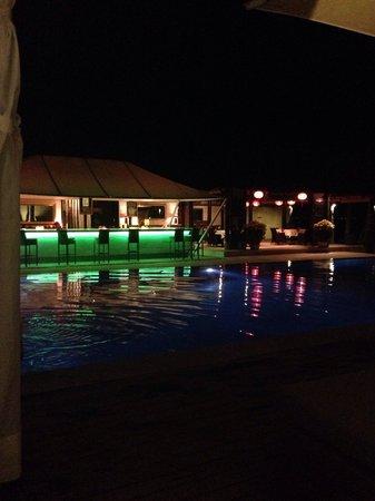 Sunsea Resort : Бар у бассейна