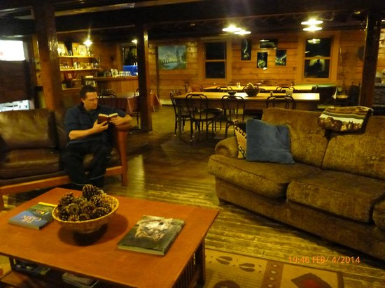 Mount Aurora Lodge: Enjoying a quiet night in by the wood stove