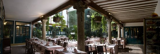 Cafe de la Iberia: Patio Castellano