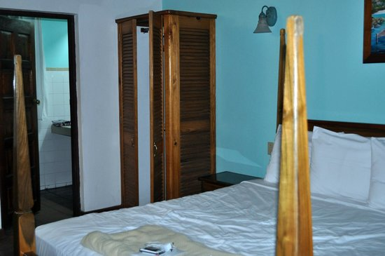 Kuyaba Hotel & Restaurant - Negril: Inside the Room