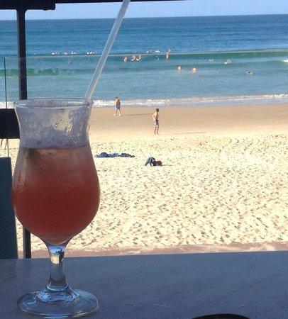Noosa Heads Surf Life Saving Club: Cocktails on the verandah!