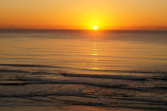 Majorca Isle Beachside Resort: Sunset