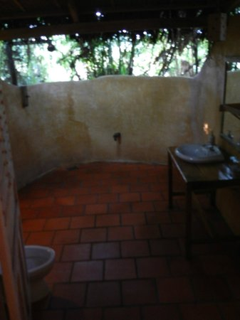 Freedomland Phu Quoc Resort: Bathroom