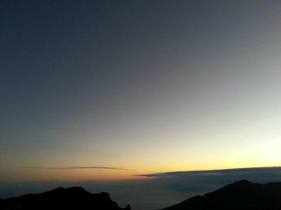 Haleakala Crater: ハレアカラ・日の出前20140115