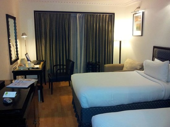Goldfinch Hotel Bangalore: Spacious room