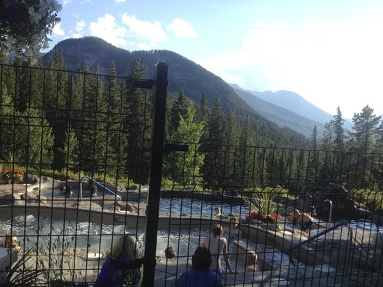 Hidden Ridge Resort: Pool View