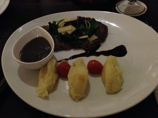 Aston at Kuningan Suites: Imported Aussie Steak