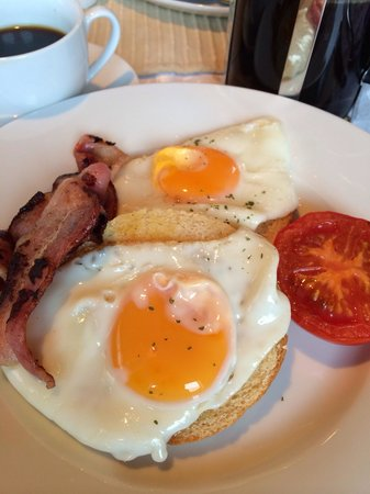 Harbour View Lodge: Tasty eye-pleasing breakfasts!