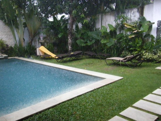 Villa Kamboja: Rainy afternoon