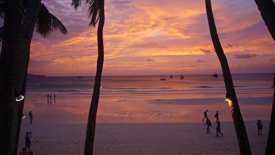 True Home Hotel, Boracay: Sunset view from the balcony