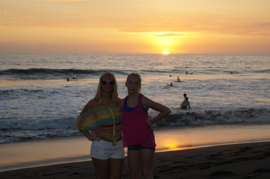 Surf Inn Hermosa: Sunset