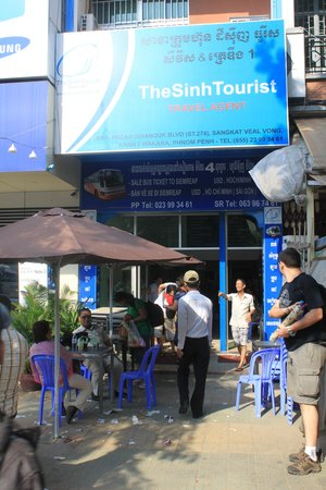 The Sinh Tourist Day Tours: If you see this sign, go somewhere else