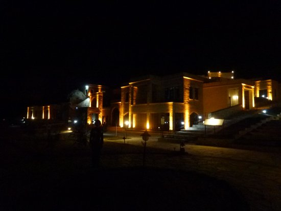 MDC Hotel : ホテル全景