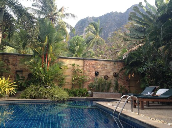 Railay Village Resort: Swimming pool with WiFI