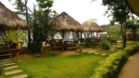Sunz En Coron Resort: Open huts are nice to have breakfast or also a massage