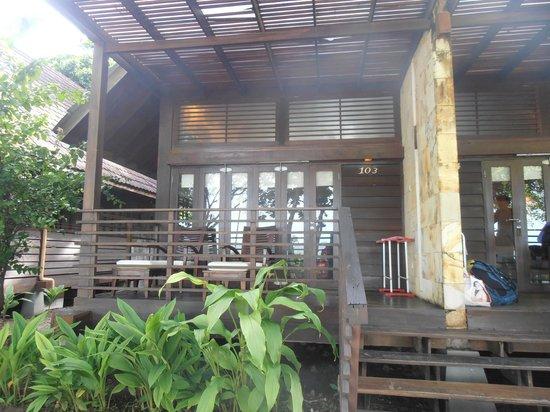 Pulau Umang Resort & Spa : Kamar tampak depan