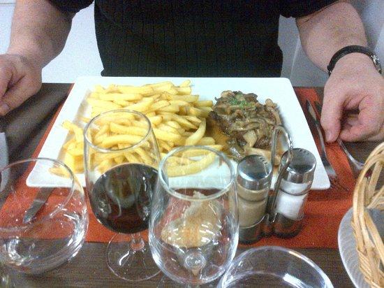 Kyriad Le Mans Sud - Mulsanne : repas