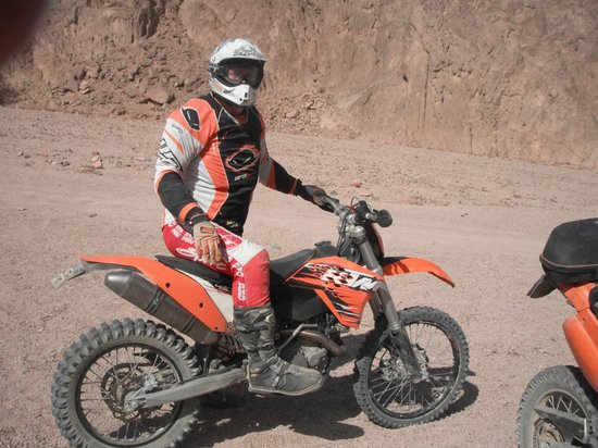 Ktm Egypt Calling Dakar Adventure Tours : Suited and booted for the adventure
