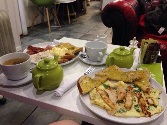 Lola & Livvy's: Great healthy breakfast after a workout :)
