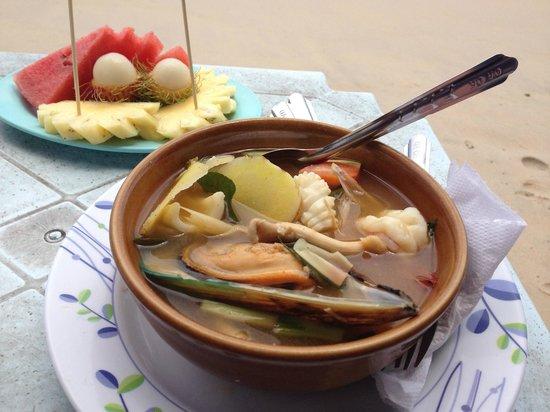 Kata Beach: Пляжная еда