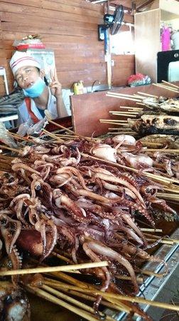 Yalong Bay: Road side fish on a stick