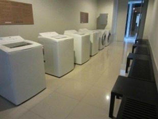 Ariva Ivy Servizio Thonglor: Launderette Room
