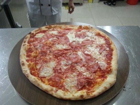 Fratelli Paglia: Pizza Capricciosa