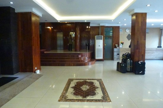 Diamond Hotel, le grand hall