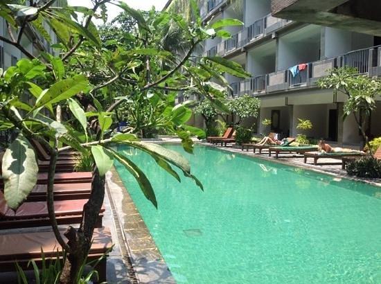 Champlung Mas Hotel : new pool