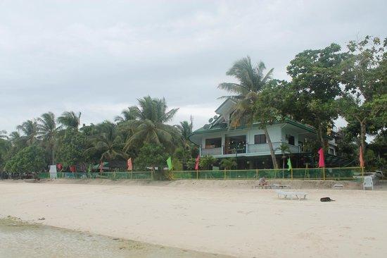 Dumaluan Beach Resort 2: Dumaluan beachfront