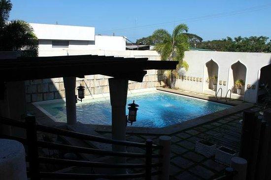 Java Hotel: Pool