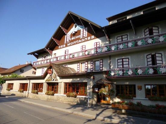 L'Echo des Montagnes : vue de l'hôtel