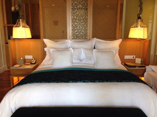 InterContinental Hua Hin Resort : King bed