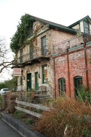 Maison Fleurie - A Four Sisters Inn : Maison Fleurie charming