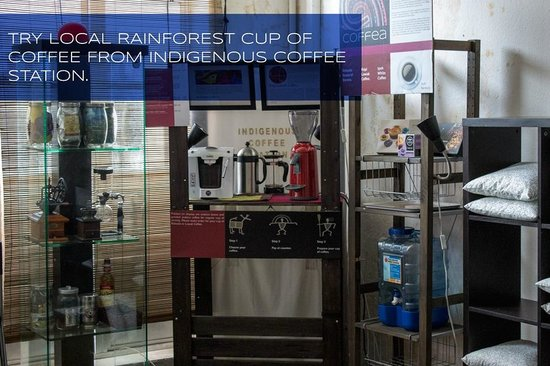 Eclipse Guesthouse: Coffee Counter