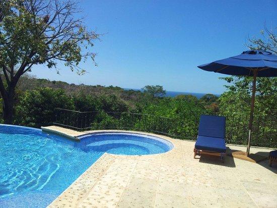 Hotel Luna Azul: La piscine et son jacuzzi