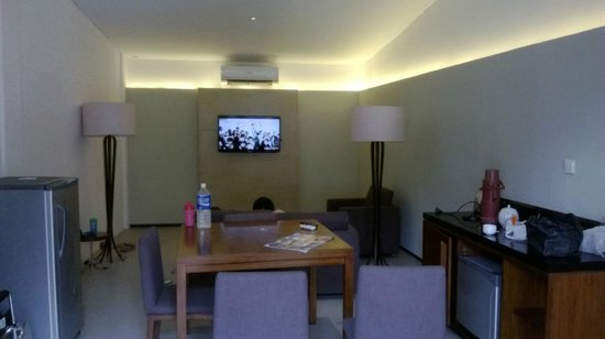 Hotel NEO+ Green Savana Sentul City: family room