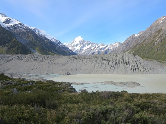Kea Point Track: Mueller Lake, Moraine wall and Mt Cook, from Kea Point lookout