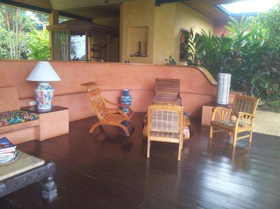 Hotel Luna Azul : Le coin salon détente et de lecture