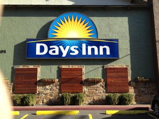 Days Inn Austin/University/Downtown: Front