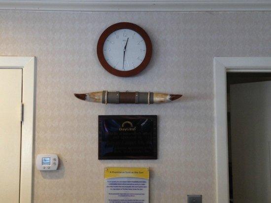 Days Inn Austin/University/Downtown: Clock & Horn