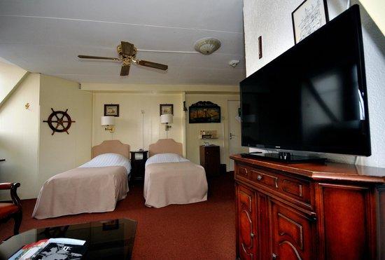 Hotel Dordrecht: Comfort Room