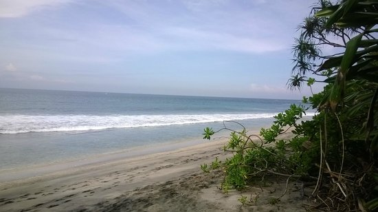 Holiday Resort Lombok: Beach