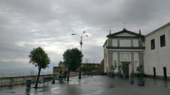 Certosa e Museo di San Martino Napoli: Piazza esterna