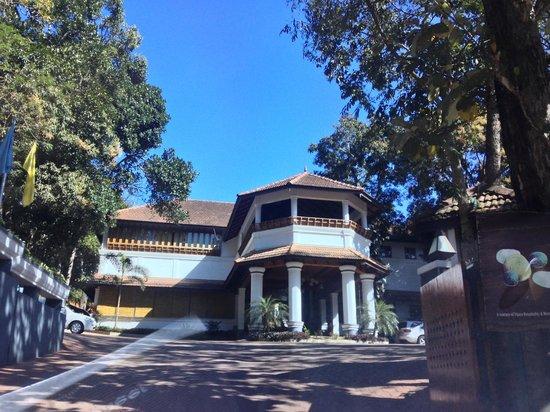 The Elephant Court: Entrance