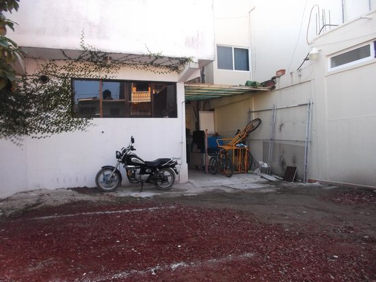 Tecolutla, เม็กซิโก: Espace stationnement  interne et sécuritaire - 30/01/2014.