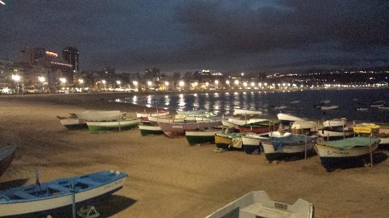 Playa de Las Canteras: Evening photo of Las Canteras taken from Casa Carmelo